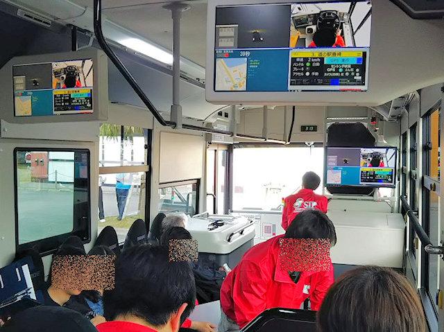 自動運転実証実験バス車内