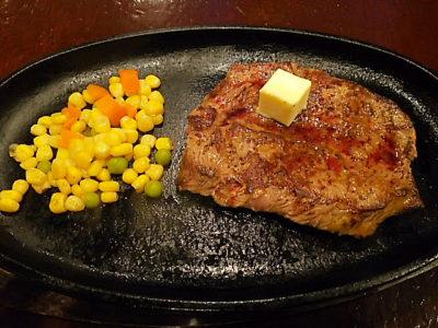 サンライズホテルレストランでステーキ