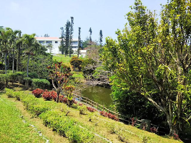 創価学会沖縄研修道場の敷地内散策